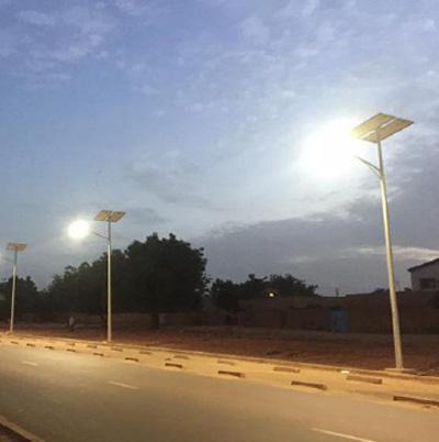 solar-street-light-systems-installation-dubai